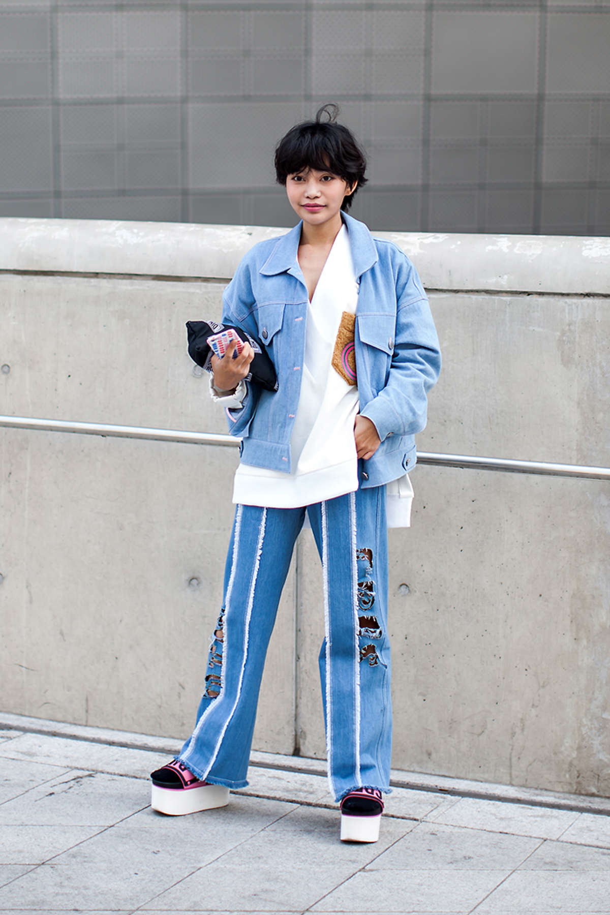On the street… Park Yeji Seoul fashion week 2016 SS