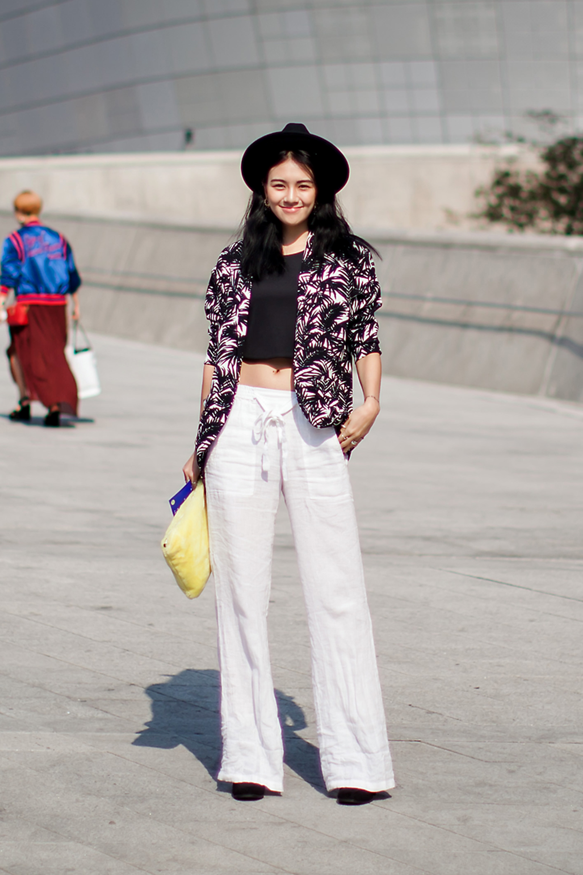 On the street… Son Hyoeun Seoul fashion week 2016 SS