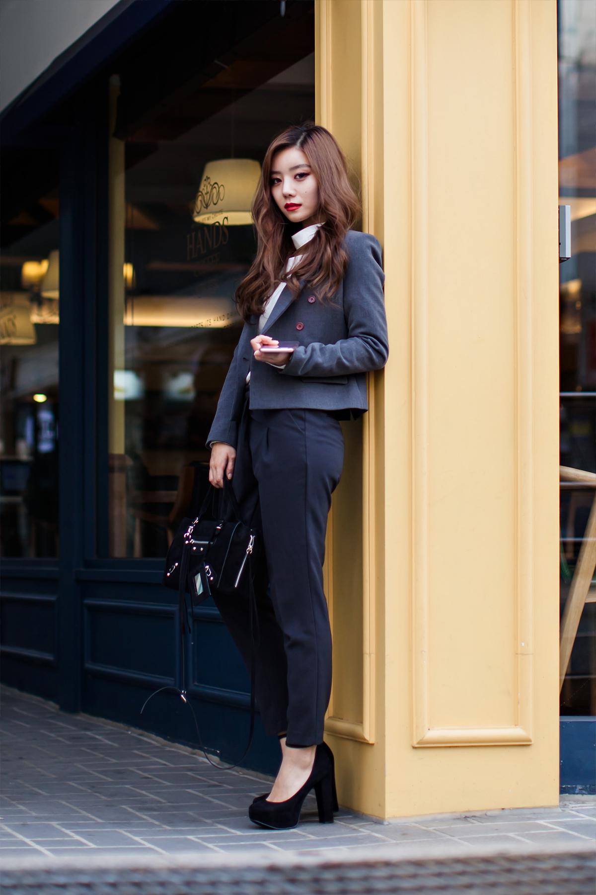 On the street… Jang Somin Busan.jpg