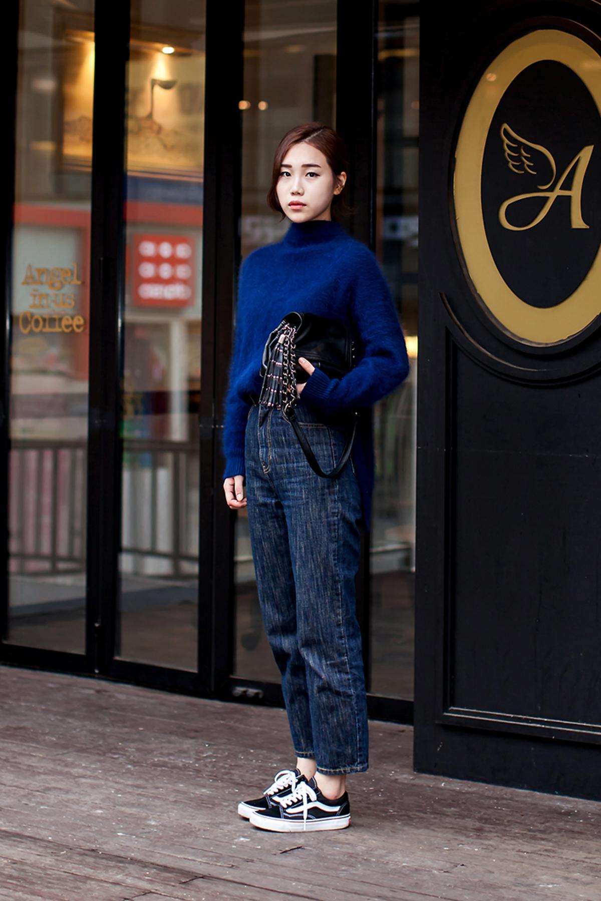 On the street… Kwak Dahyun Busan.jpg