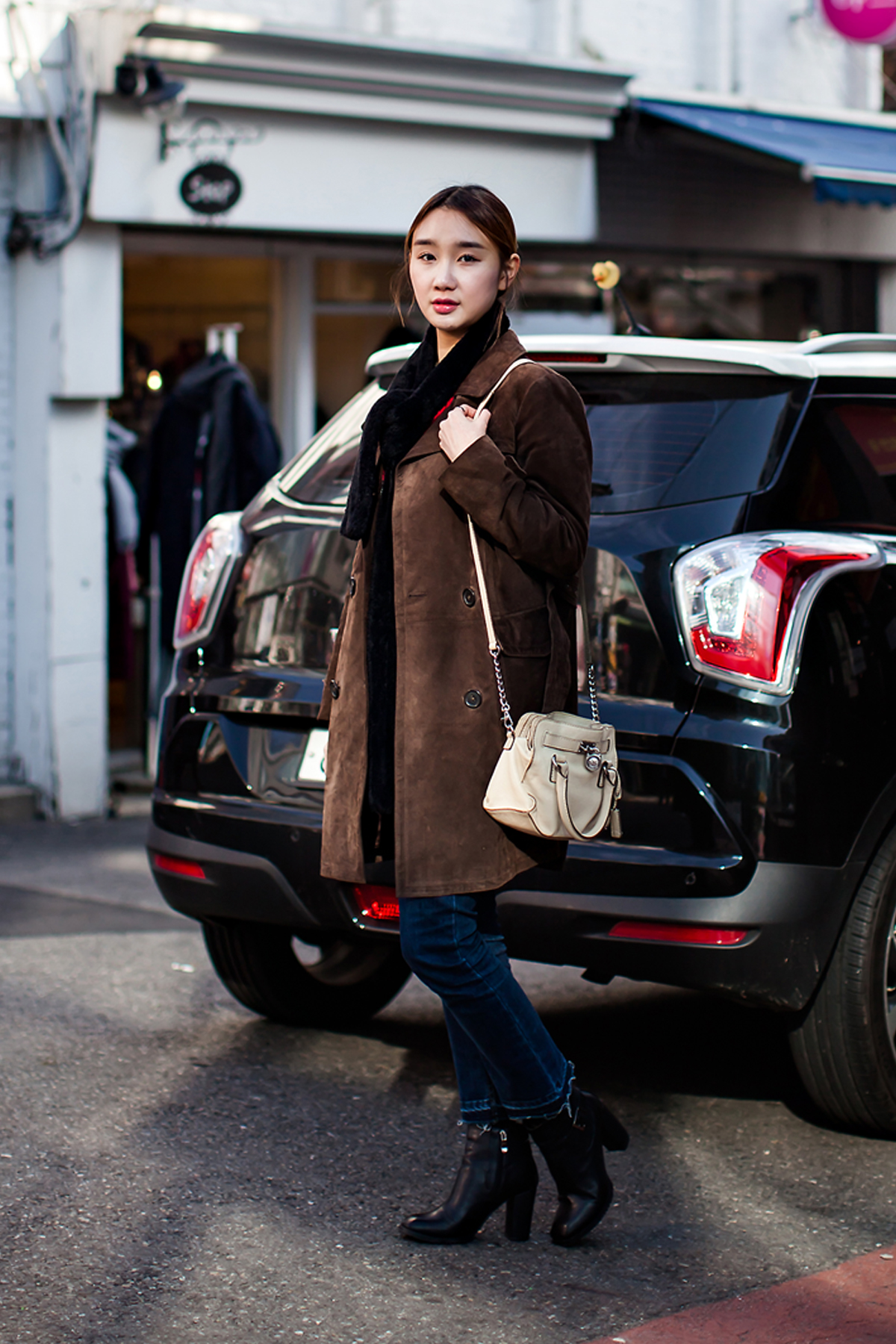 On the street… Song Dahuin Seoul.jpg