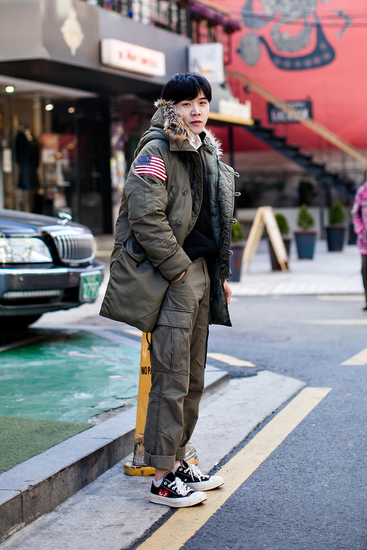 On the street… Jin Chungman Seoul.jpg