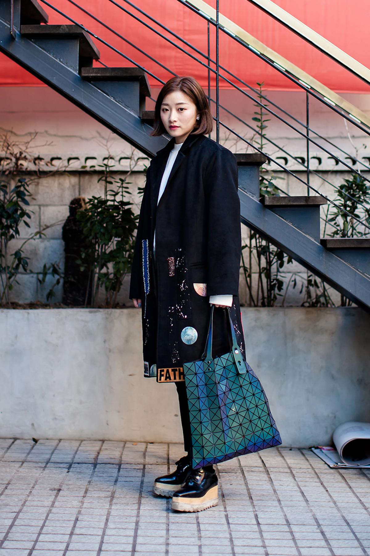 On the street… Liu Qi Seoul.jpg