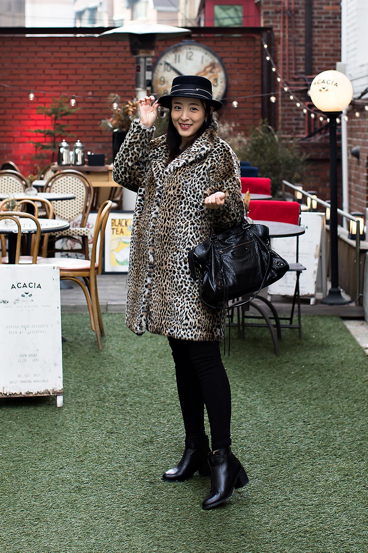 Lee Jihyun, Street Fashion 2017 in SEOUL.jpg