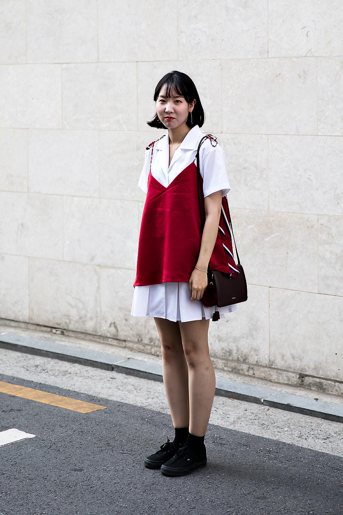 Jang Eunyoung, Street Fashion 2017 in Seoul.jpg