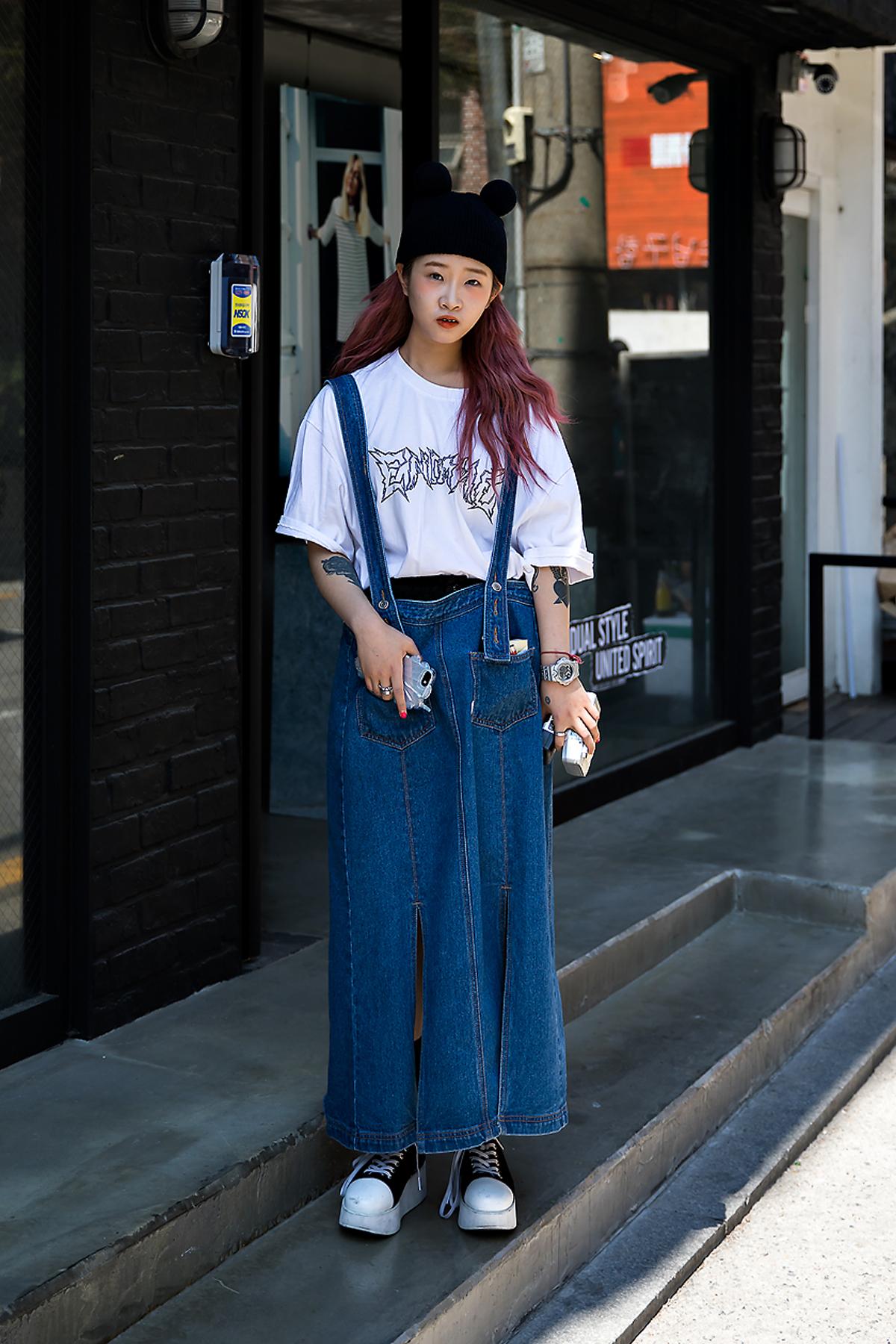 Kim Jina, Street Fashion 2017 in Seoul.jpg