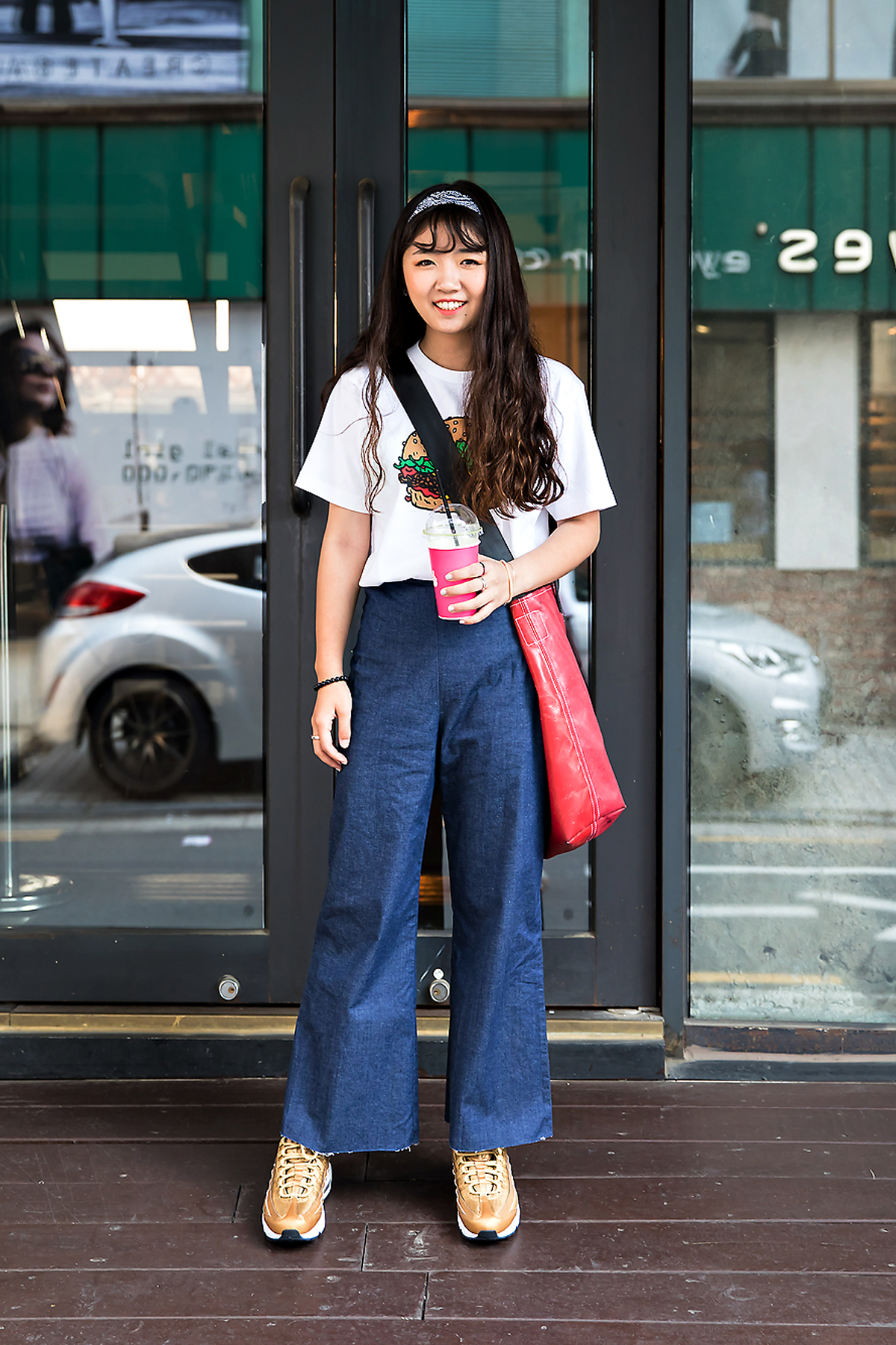 Kim Sehee, Street Fashion 2017 in Seoul.jpg