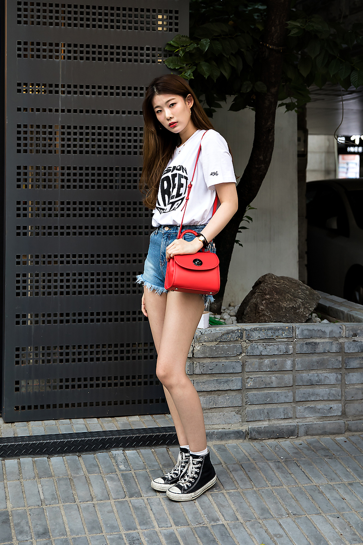 Kim Hyeyeon, Street Fashion 2017 in Seoul.jpg