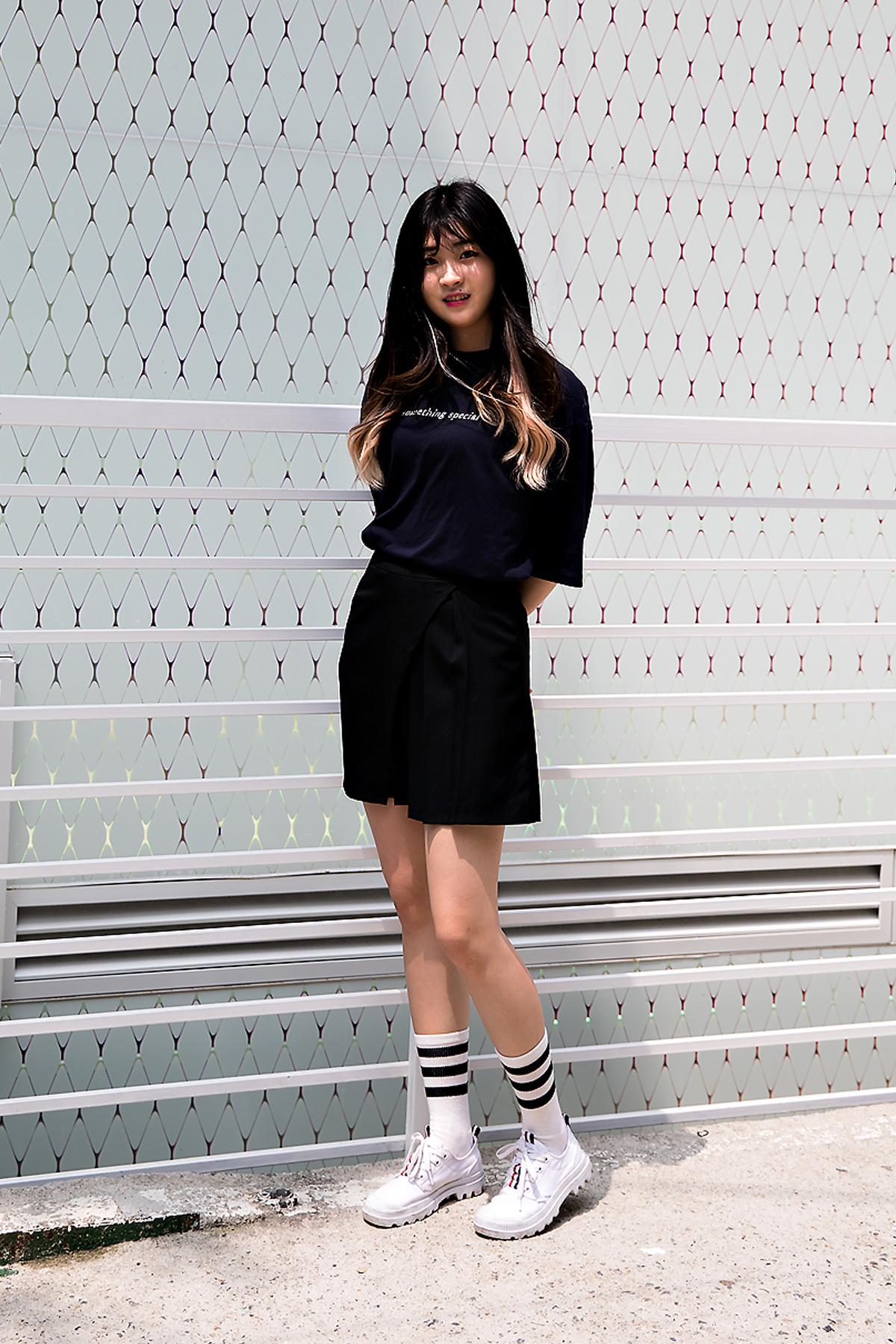 Lee Jihae, Street Fashion 2017 in Seoul.jpg