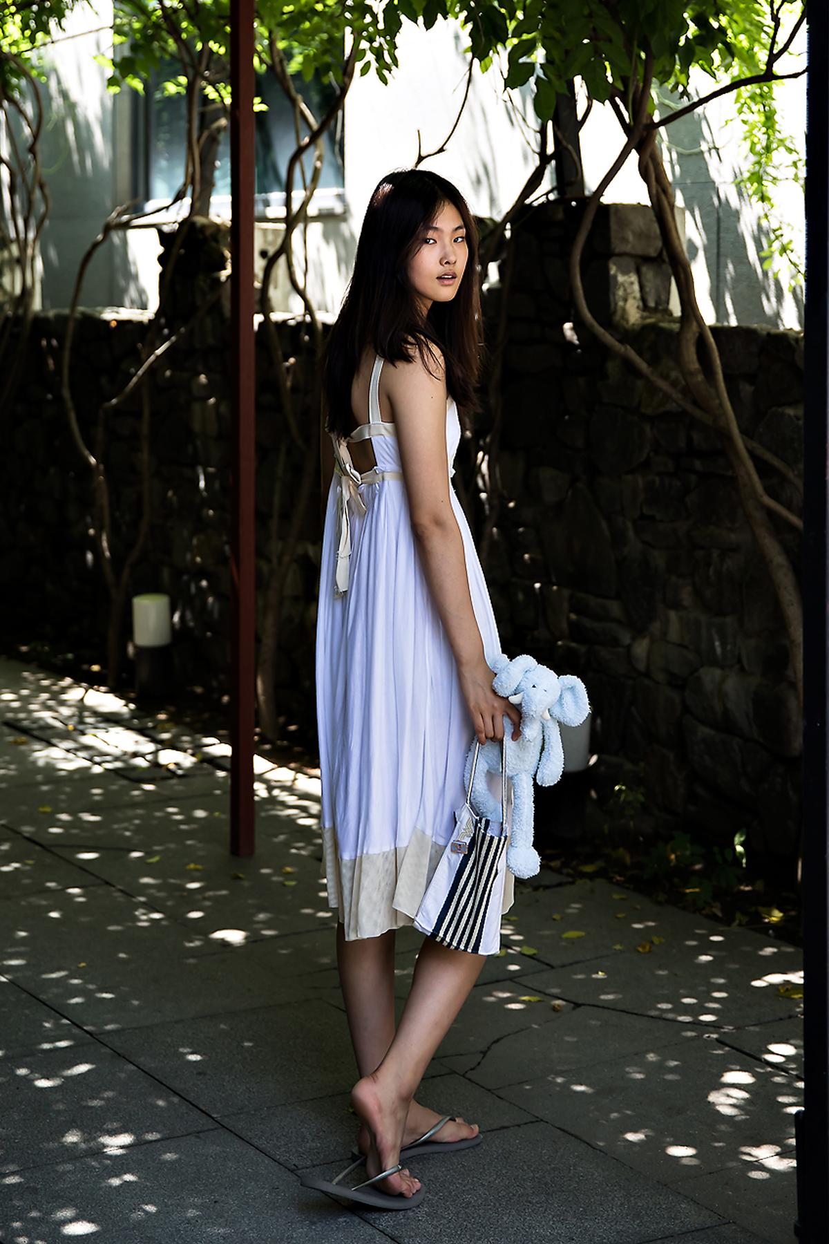 Alice An, Street Fashion 2017 in Seoul.jpg
