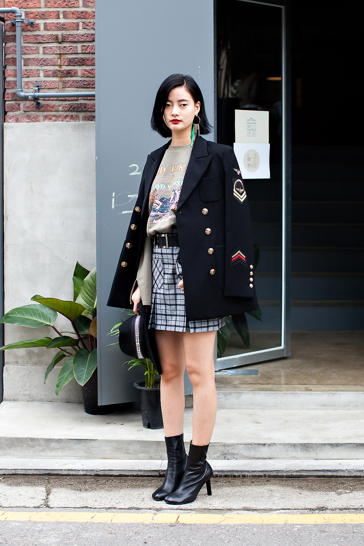 Baek Eunkyung, Street Fashion 2017 in Seoul.jpg