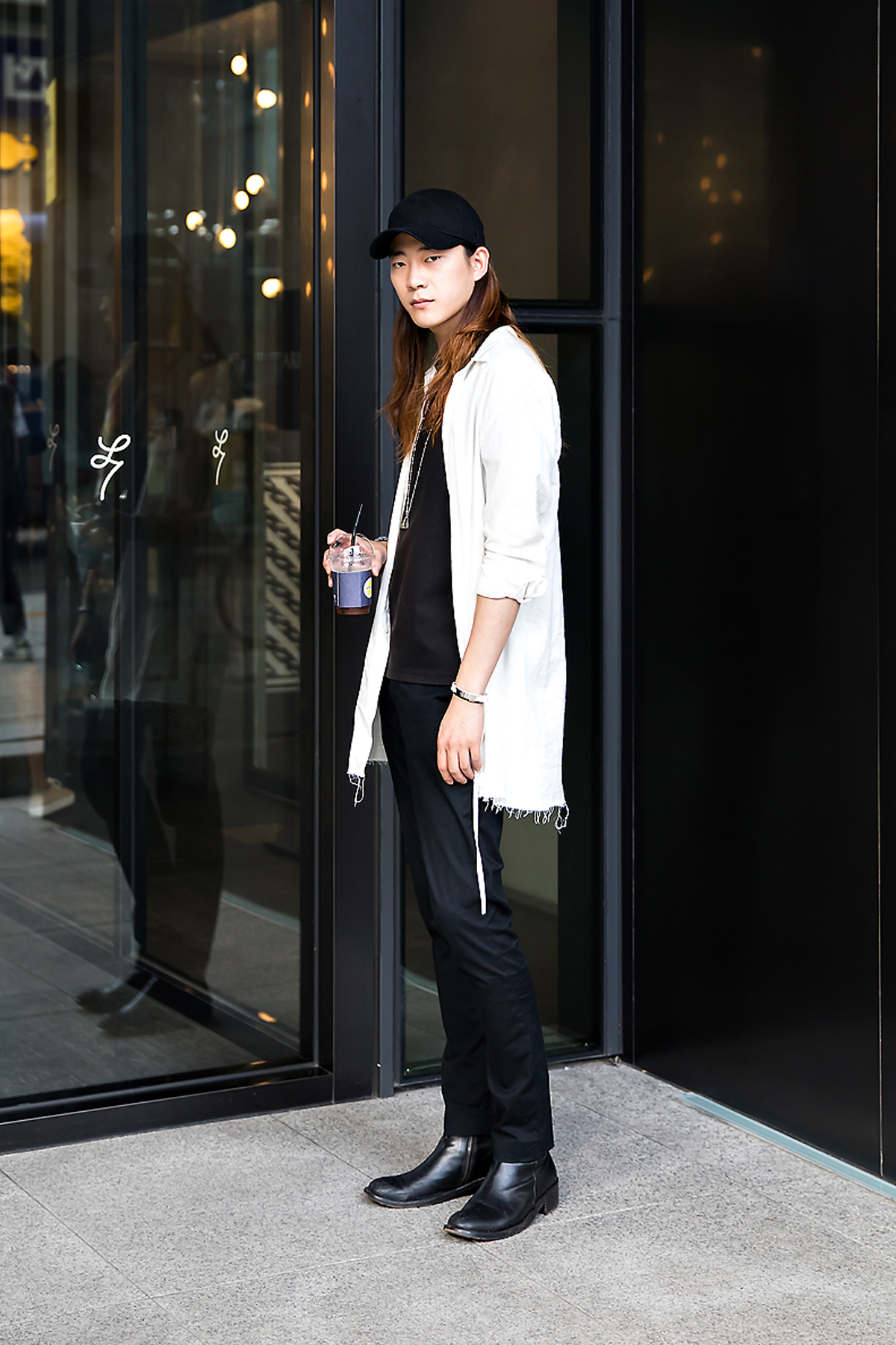 Hwang Daebum, Street Fashion 2017 in Seoul.jpg