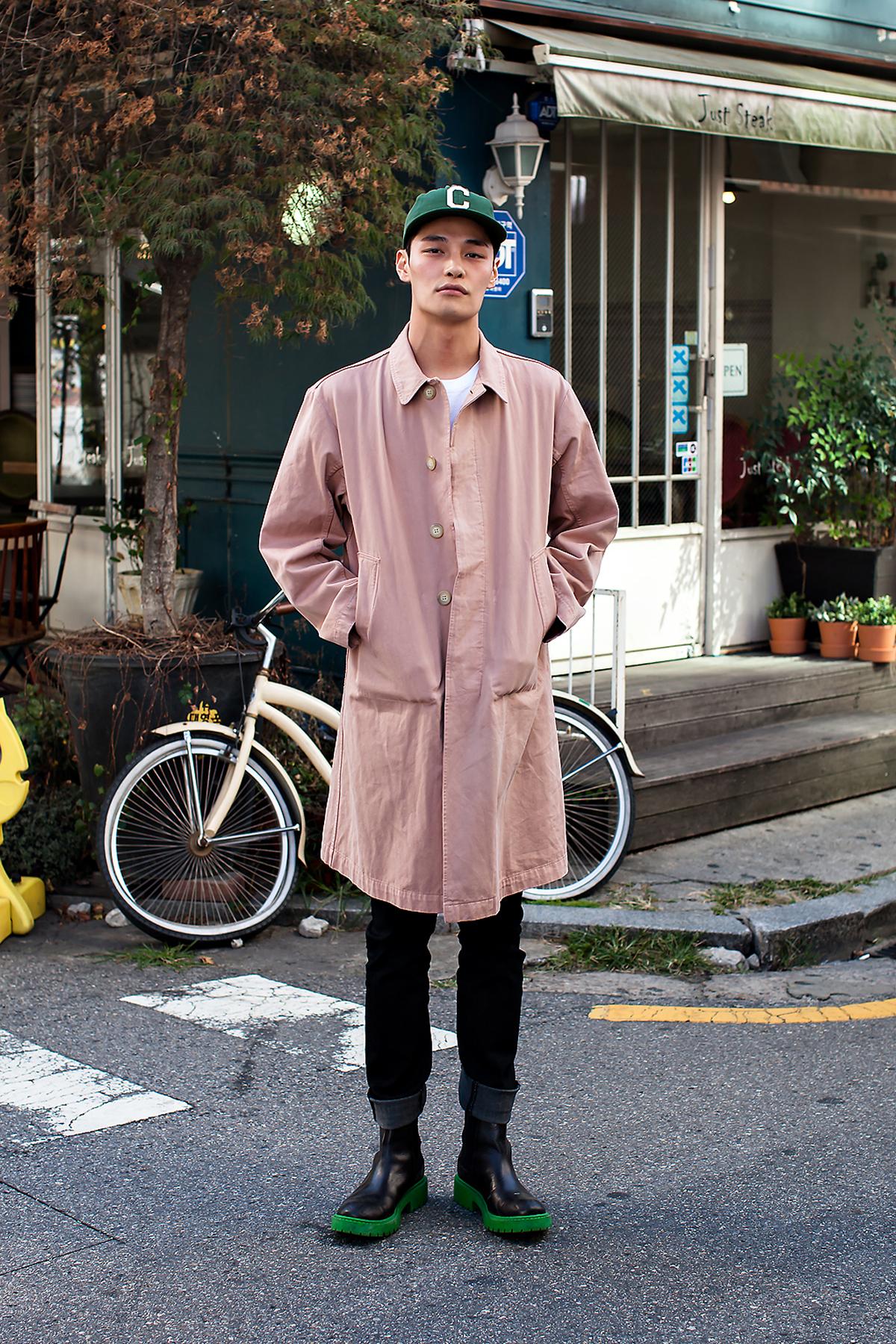 Jung Hyuk, Street Fashion 2017 in Seoul.jpg