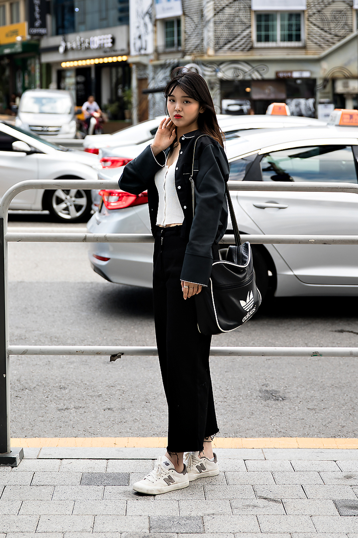 Kim Juyeon, Street Fashion 2017 in Seoul.jpg