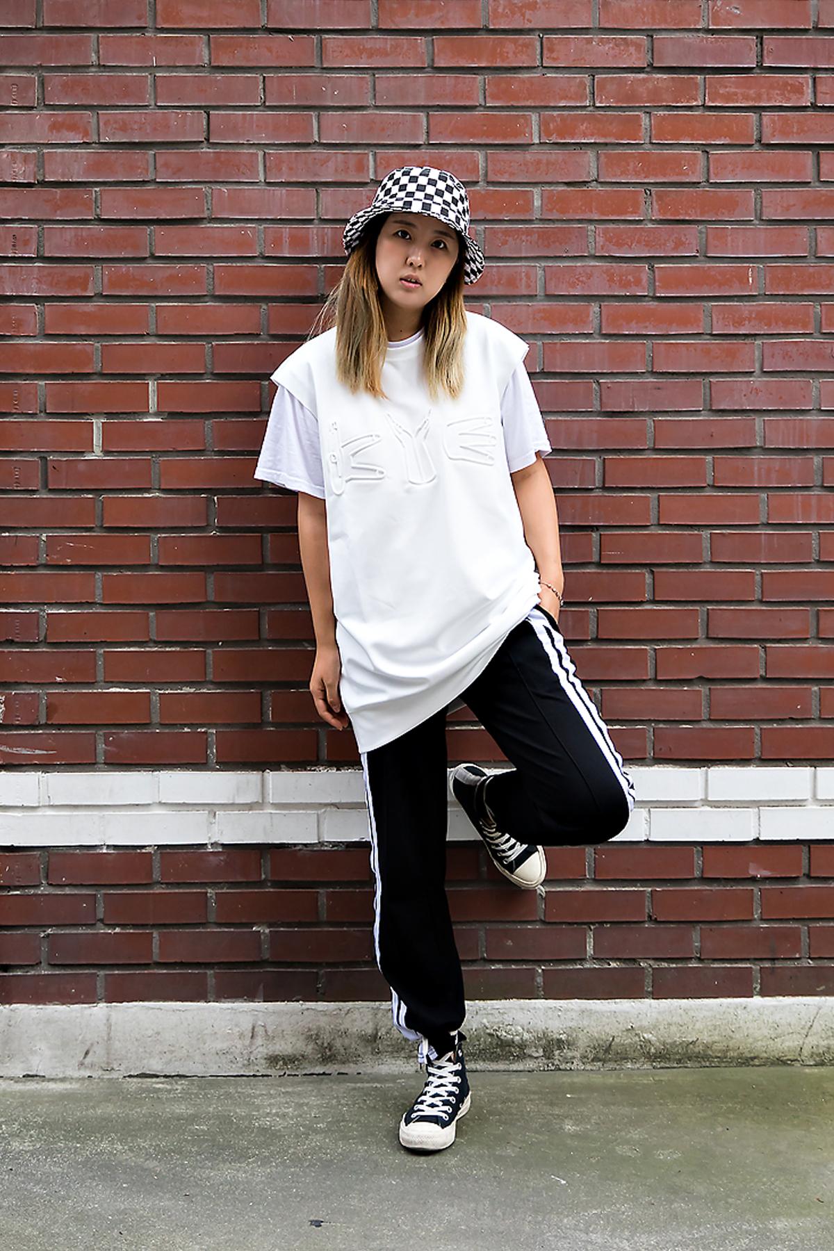 Kim Kyu-Min, Street Fashion 2017 in Seoul.jpg