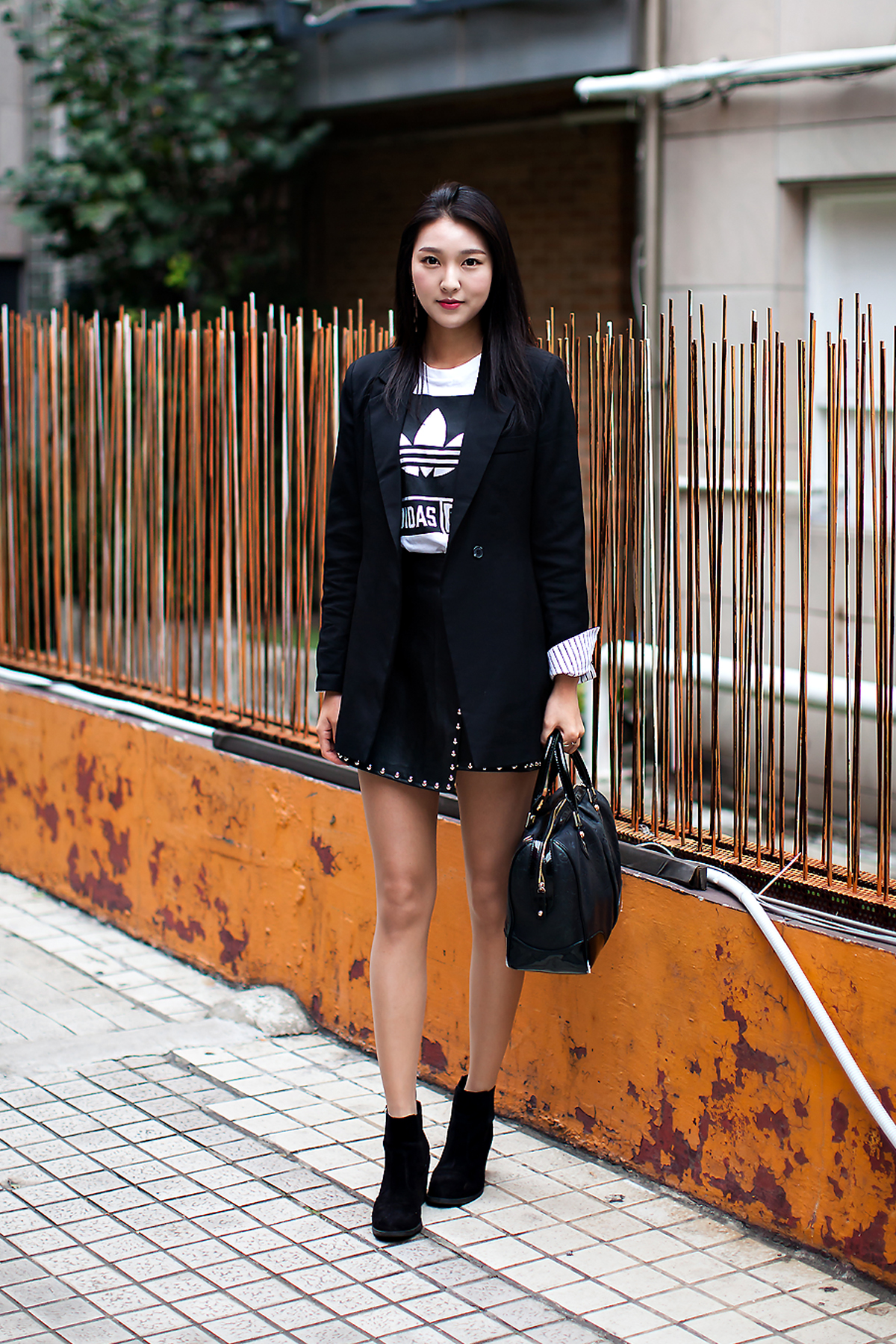 Kim Sungeun, Street Fashion 2017 in Seoul.jpg