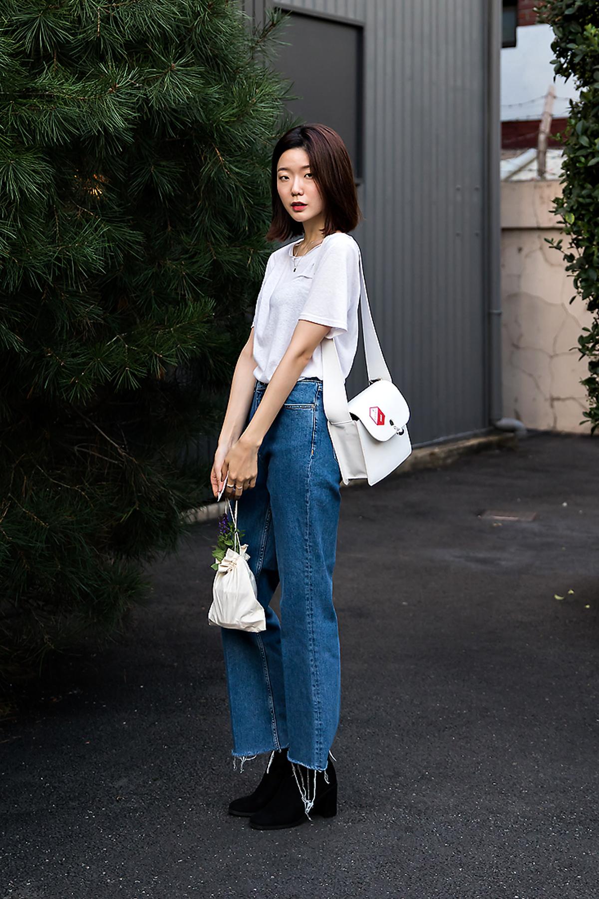 Kwak Jisoo, Street Fashion 2017 in Seoul.jpg