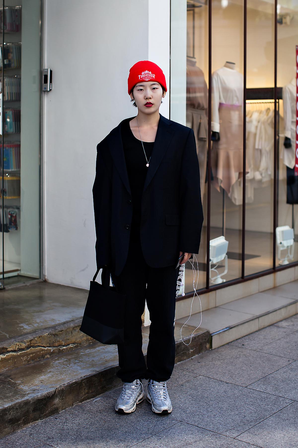 Lee Ari, Street Fashion 2017 in Seoul.jpg