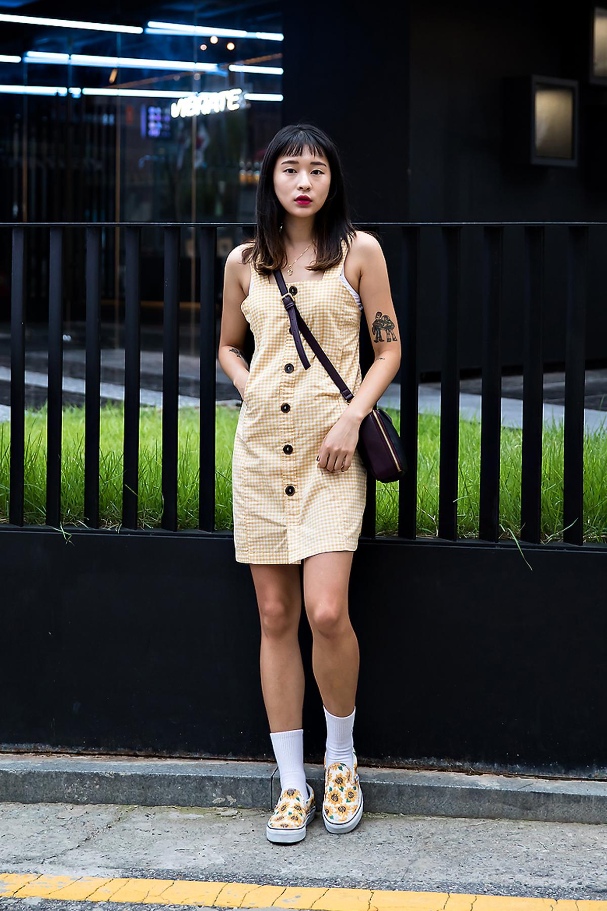 Lee Dami, Street Fashion 2017 in Seoul.jpg