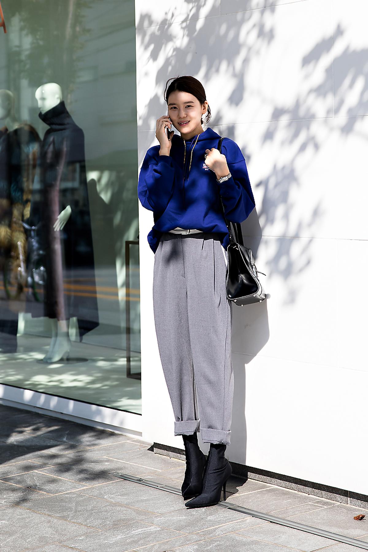 Lee Juri, Street Fashion 2017 in Seoul.jpg