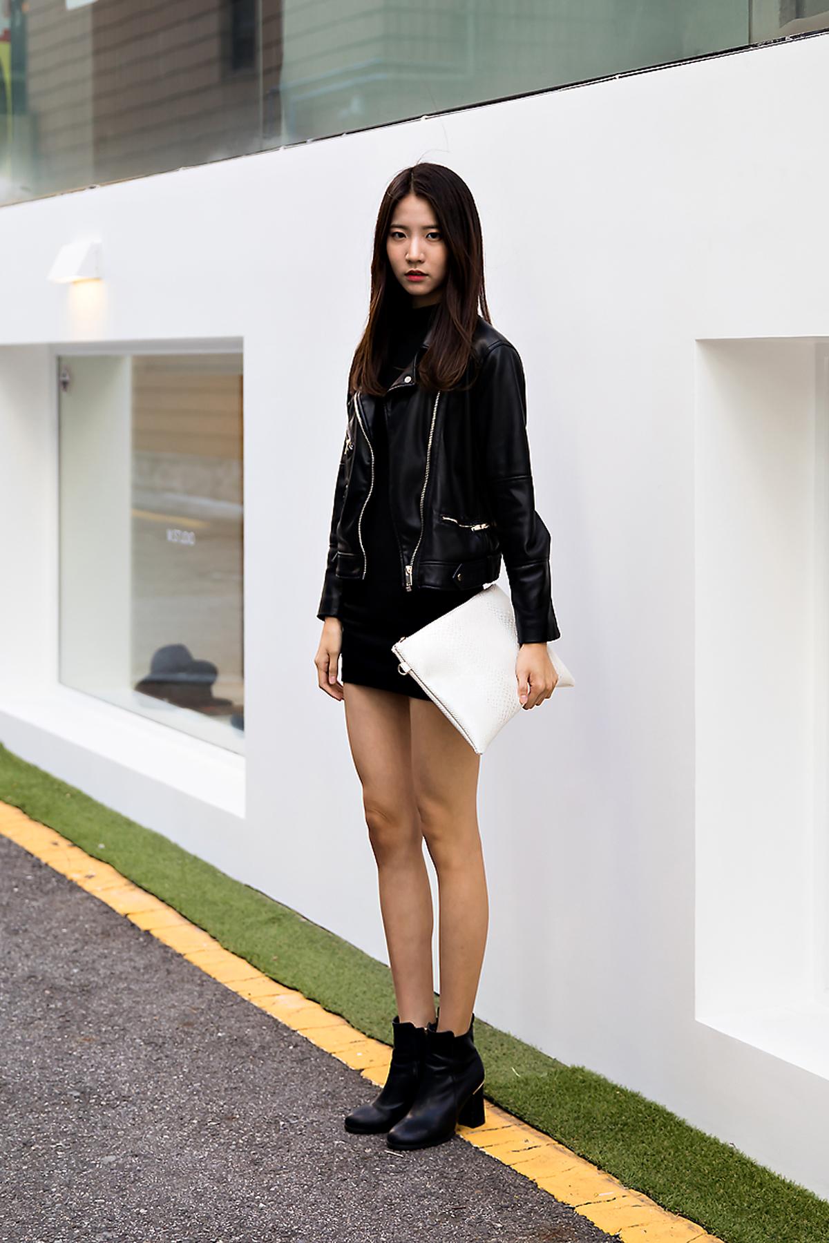 Lee Sangeun, Street Fashion 2017 in Seoul.jpg