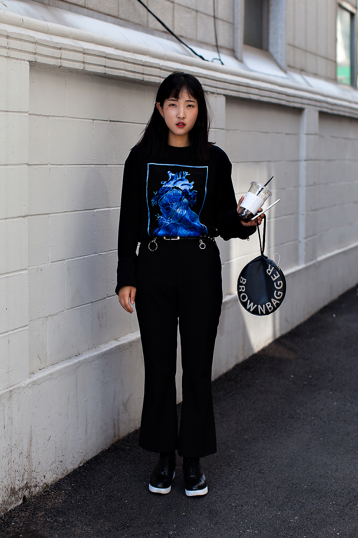 Park Jihye, Street Fashion 2017 in Seoul.jpg
