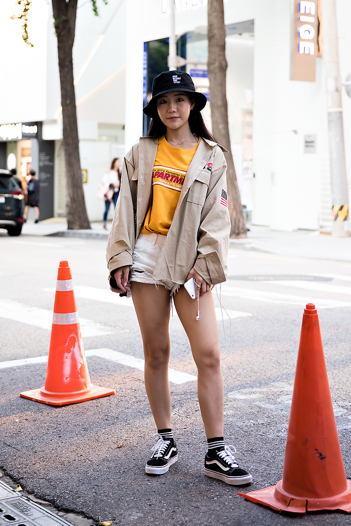 Woo We, Street Fashion 2017 in Seoul.jpg