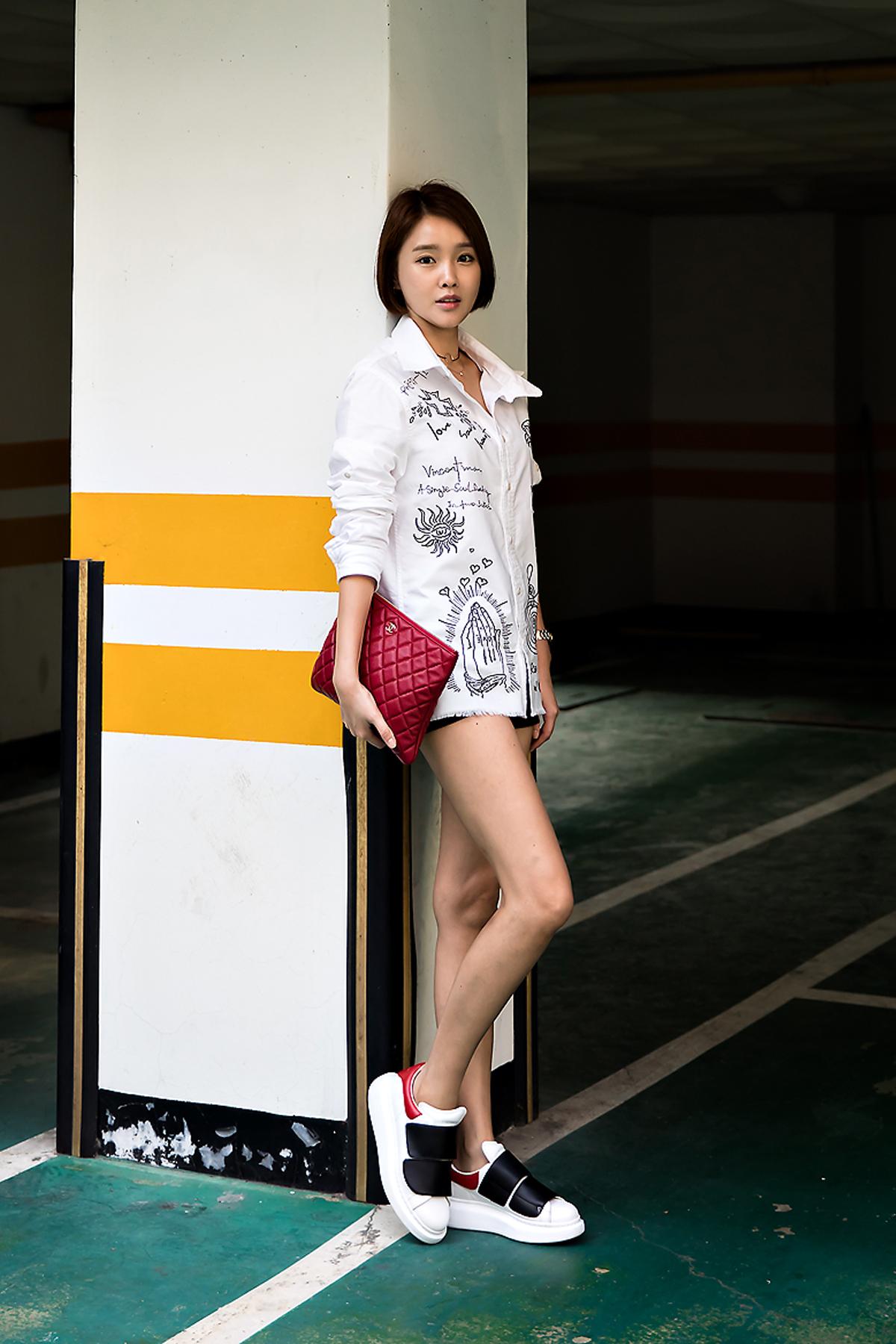 Yoo Ran, Street Fashion 2017 in Seoul.jpg
