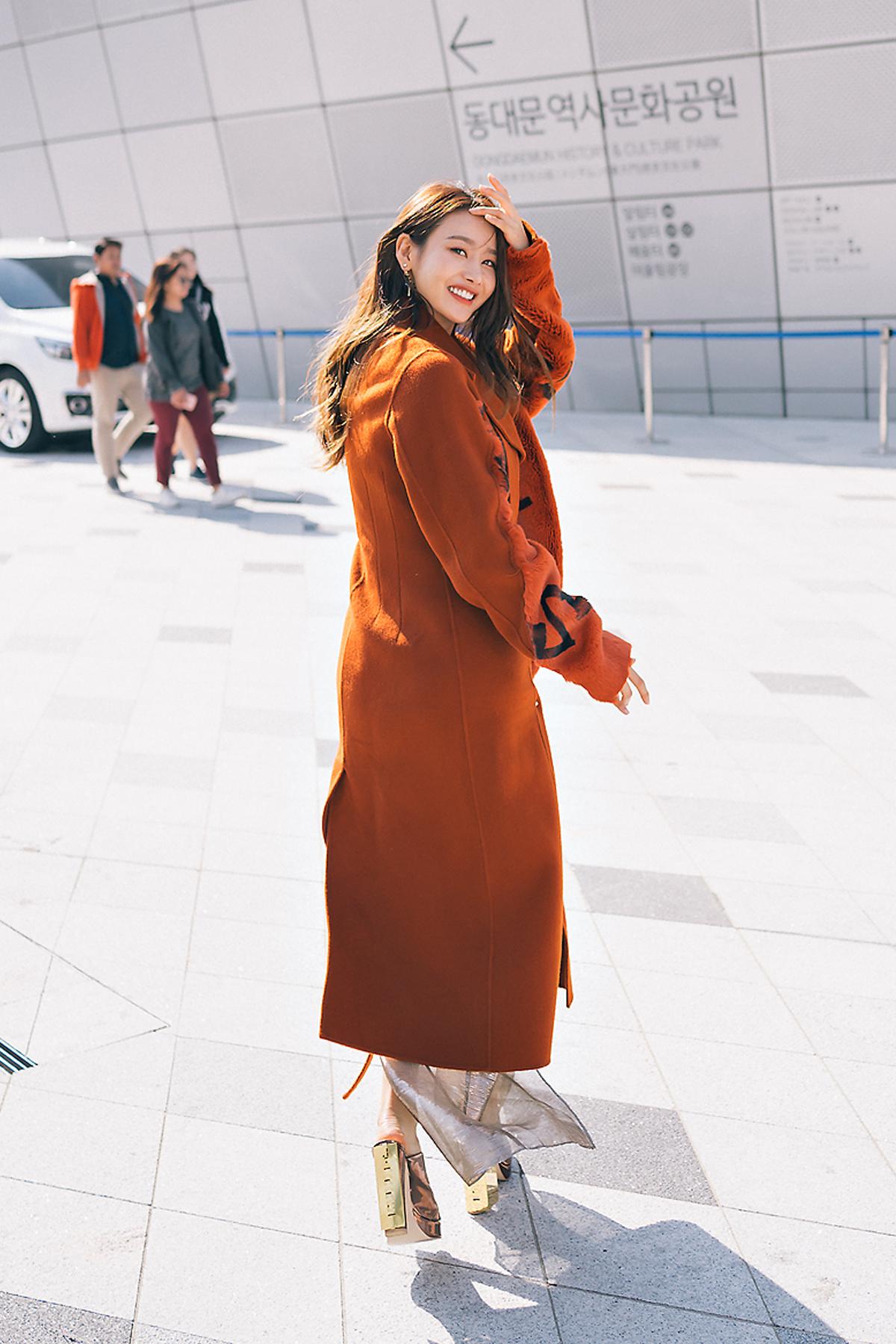 SEOUL FASHION WEEK STREETWEAR WOMENS 2018SS