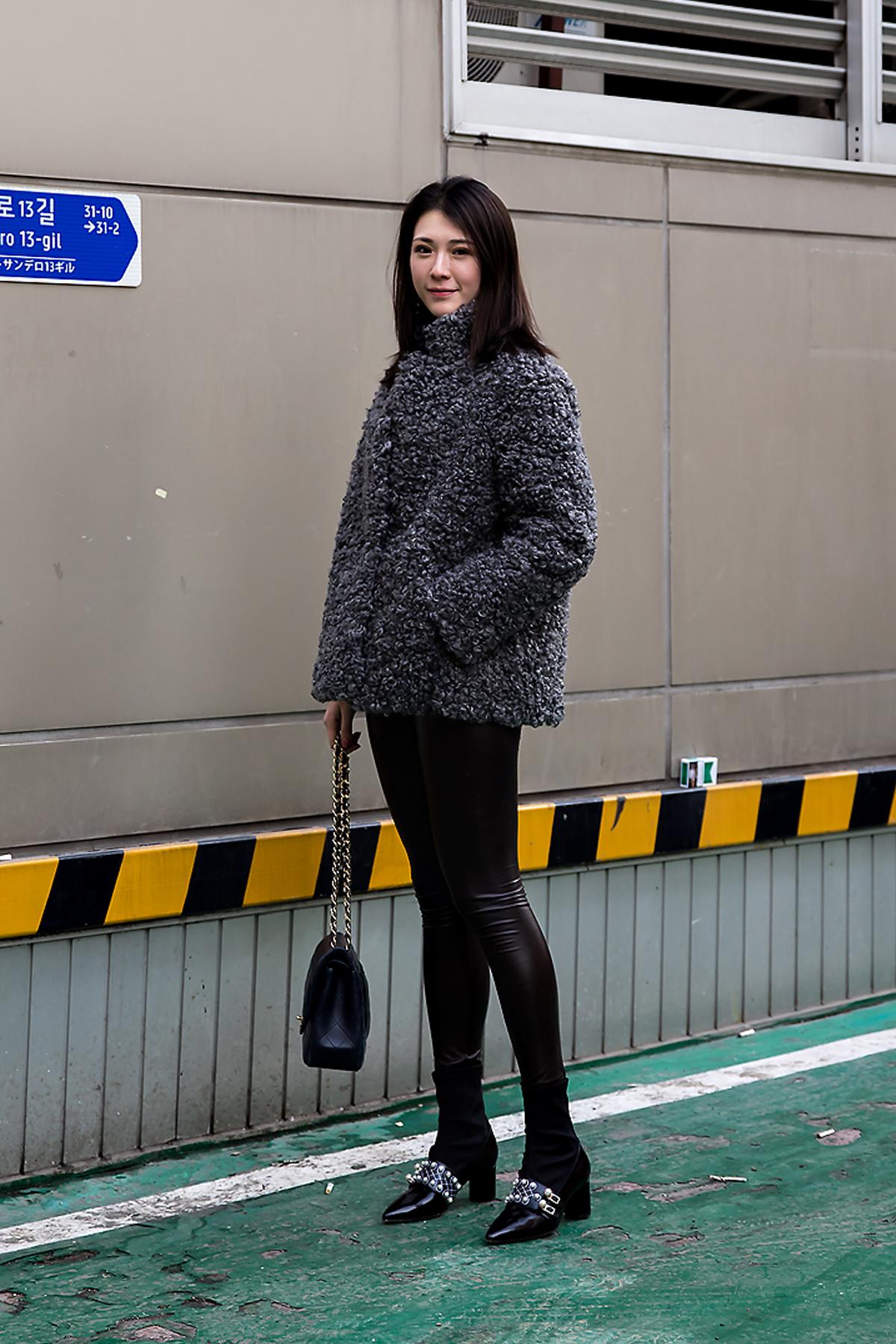 Mocha, Street style women winter 2017-2018 inseoul