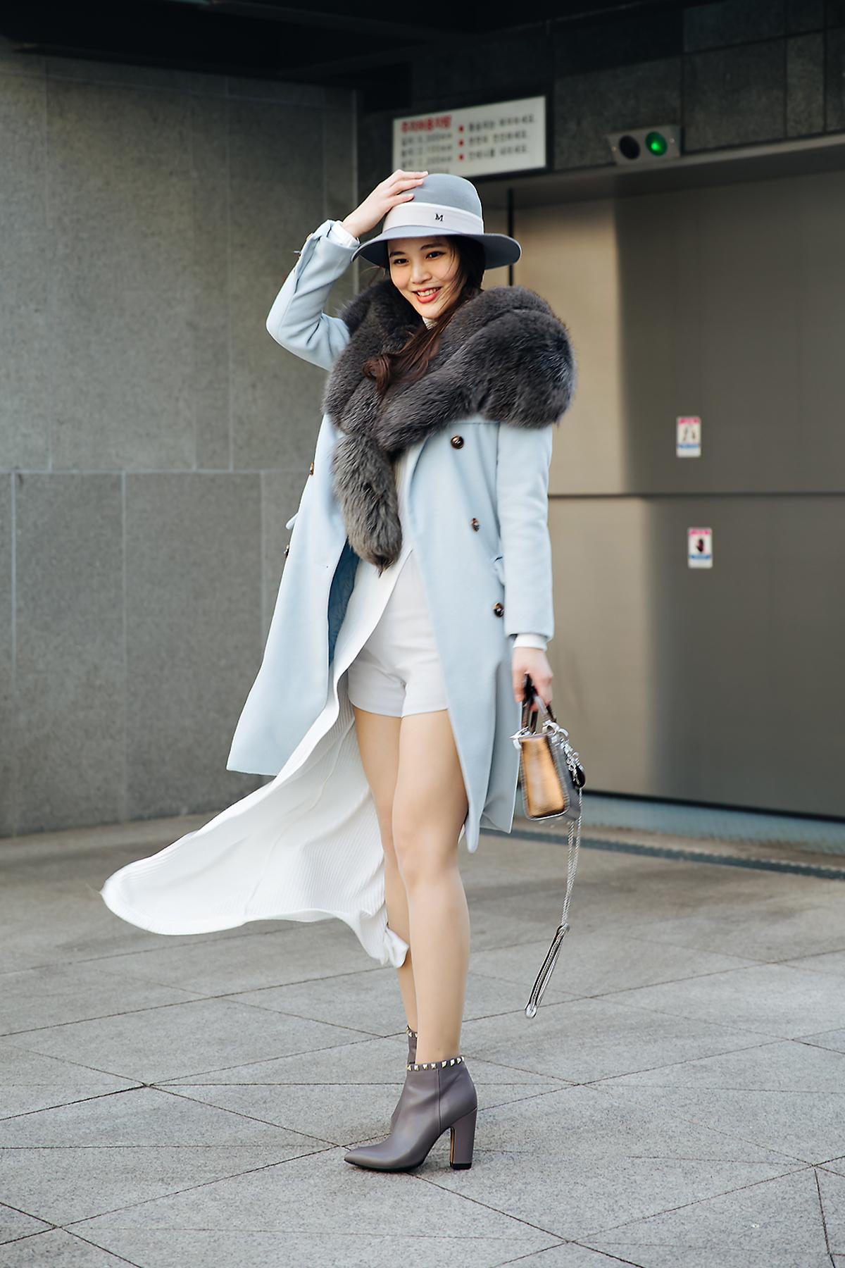 Street style women winter 2017-2018 in seoul -10