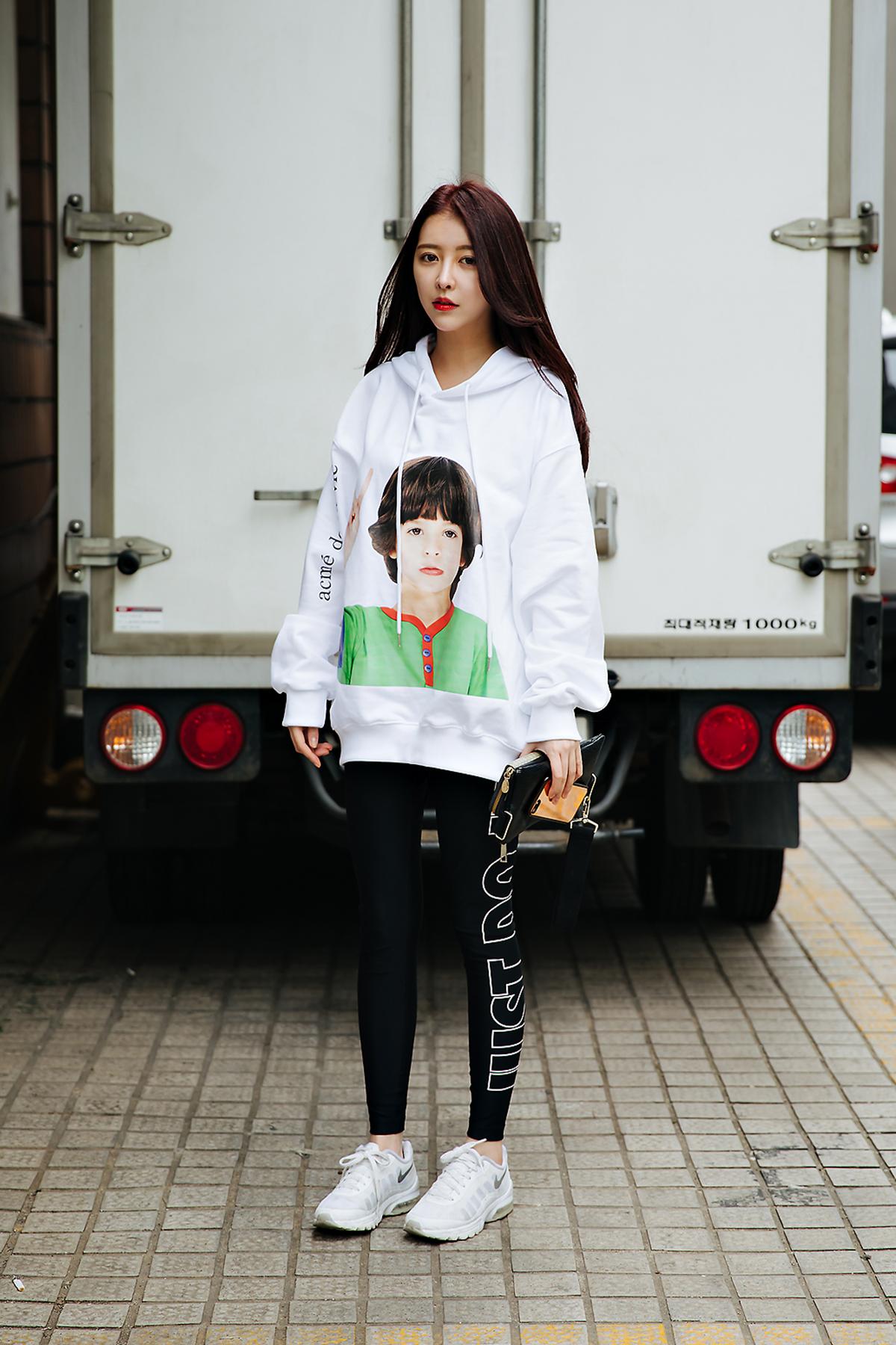 Street style women spring 2018 in seoul -5