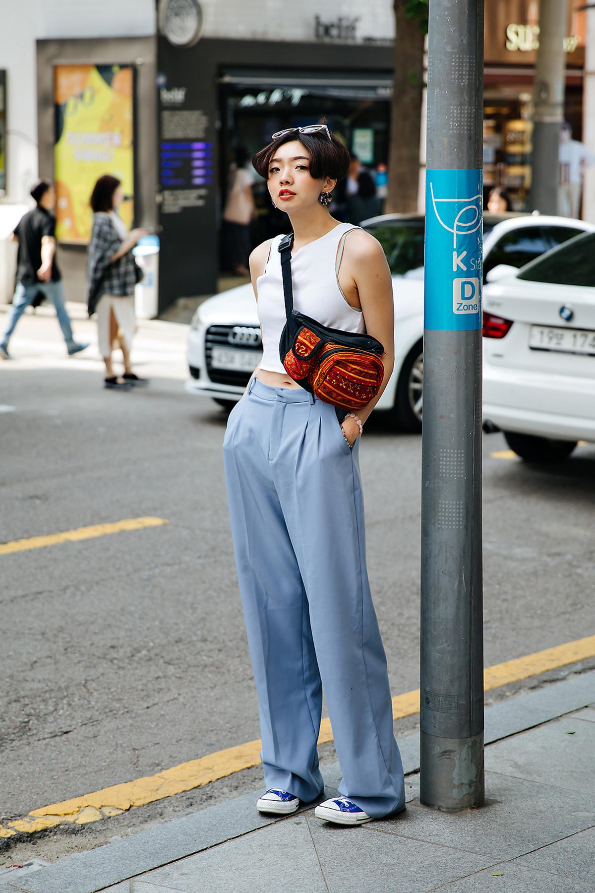 Chin rou, Street style women spring 2018 in seoul