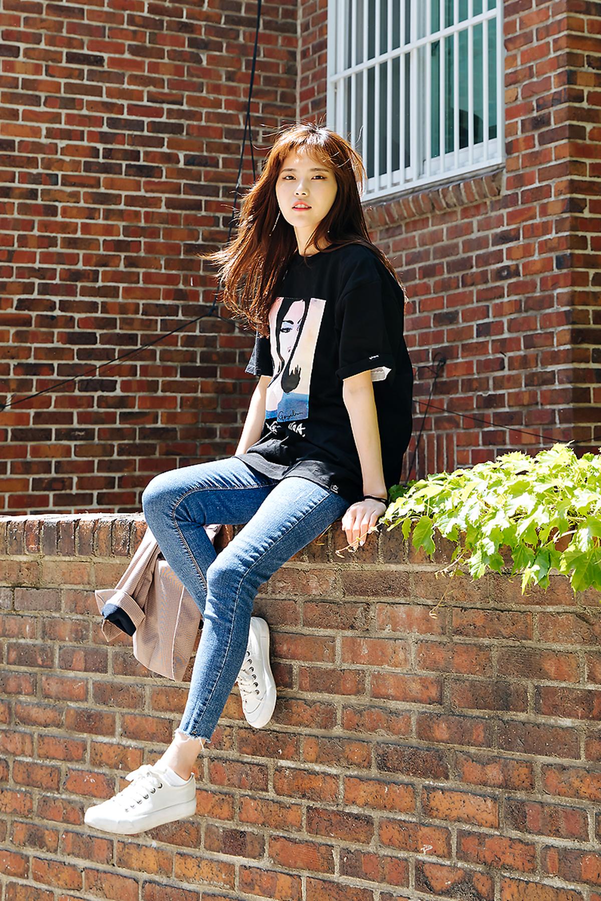 Street style women spring 2018 in seoul -9