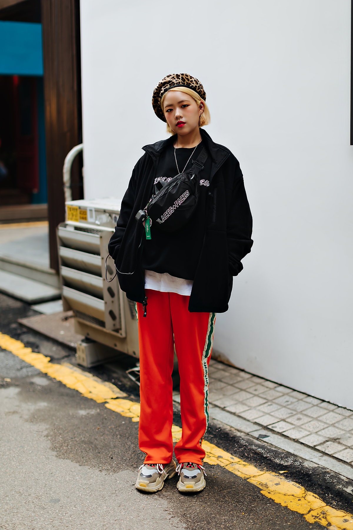 Women fall street style fourth week of october 2018 in seoul 10