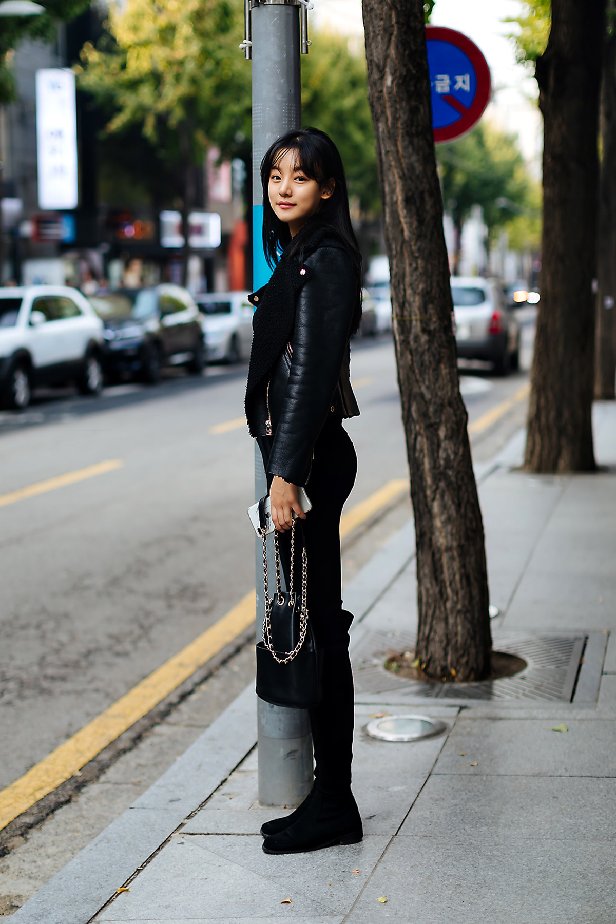 Women fall street style fourth week of october 2018 in seoul 11