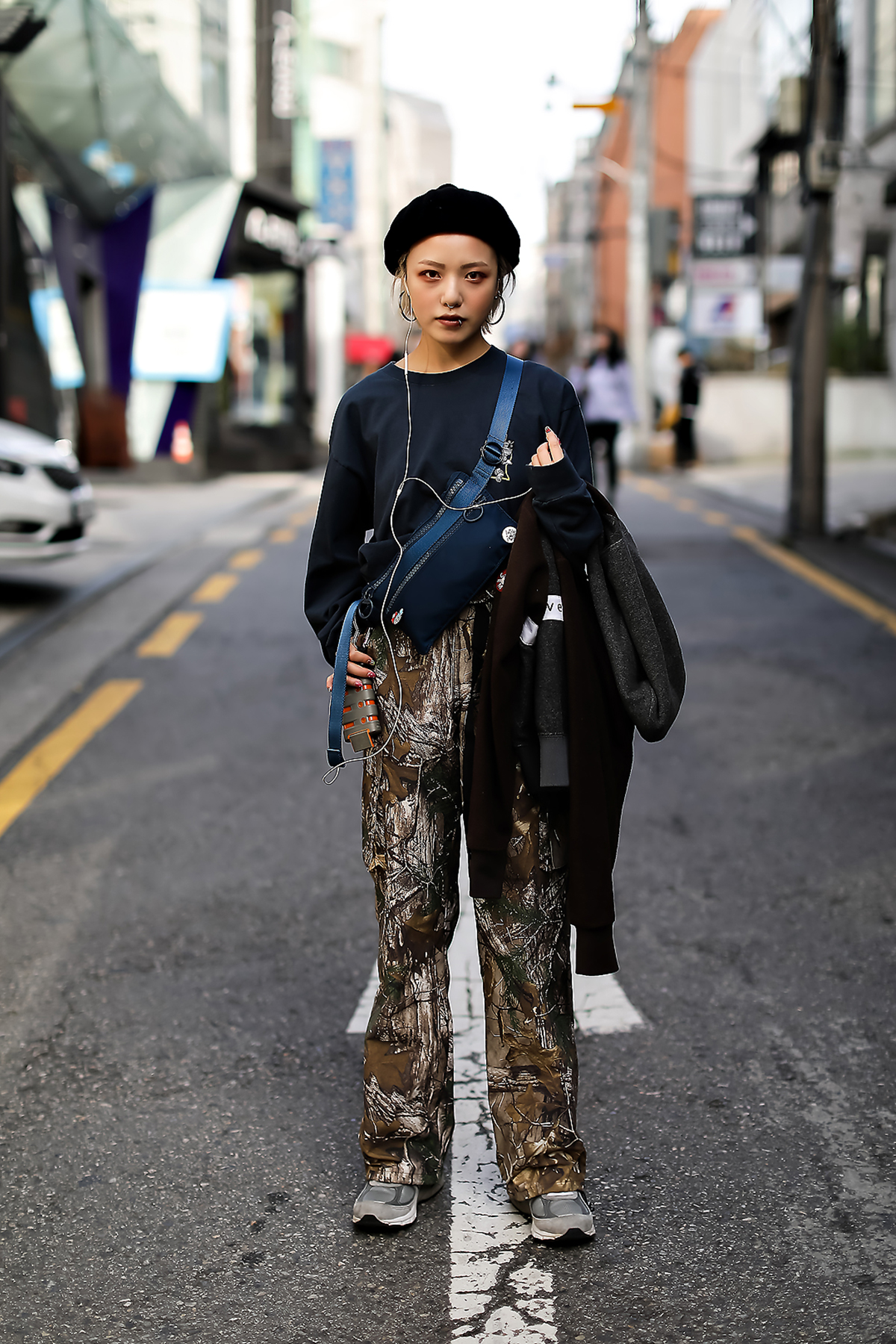 Women fall street style fourth week of october 2018 in seoul 14