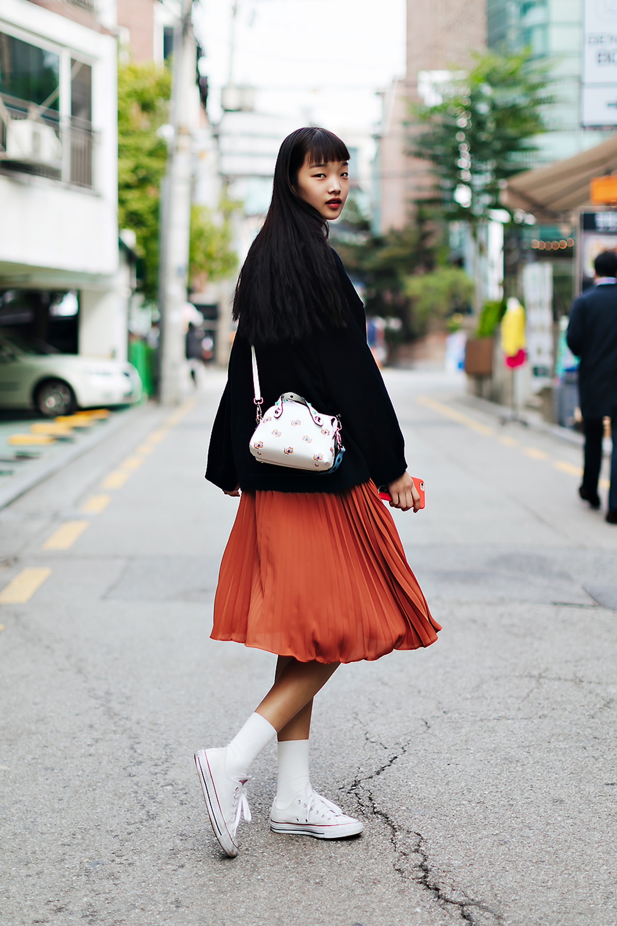 Women fall street style fourth week of october 2018 in seoul 5
