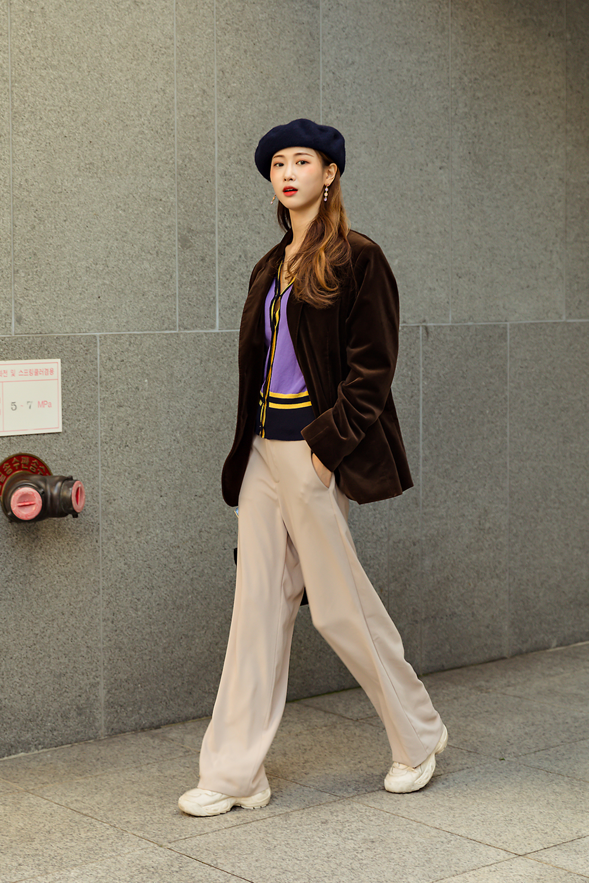 Women winter street style the second week of november 2018 in seoul