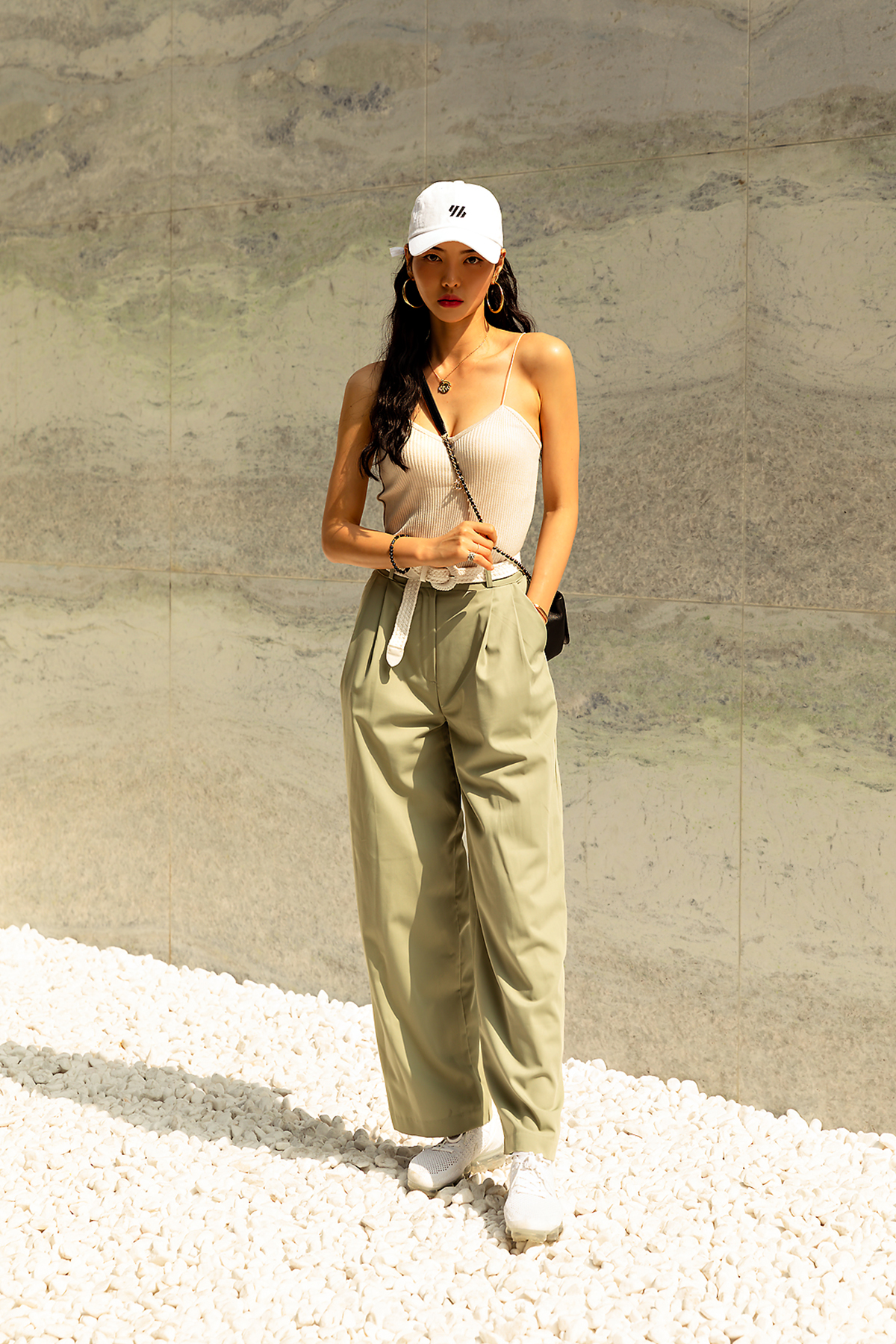 Second story of Seoul women's street style in summer of June 2019