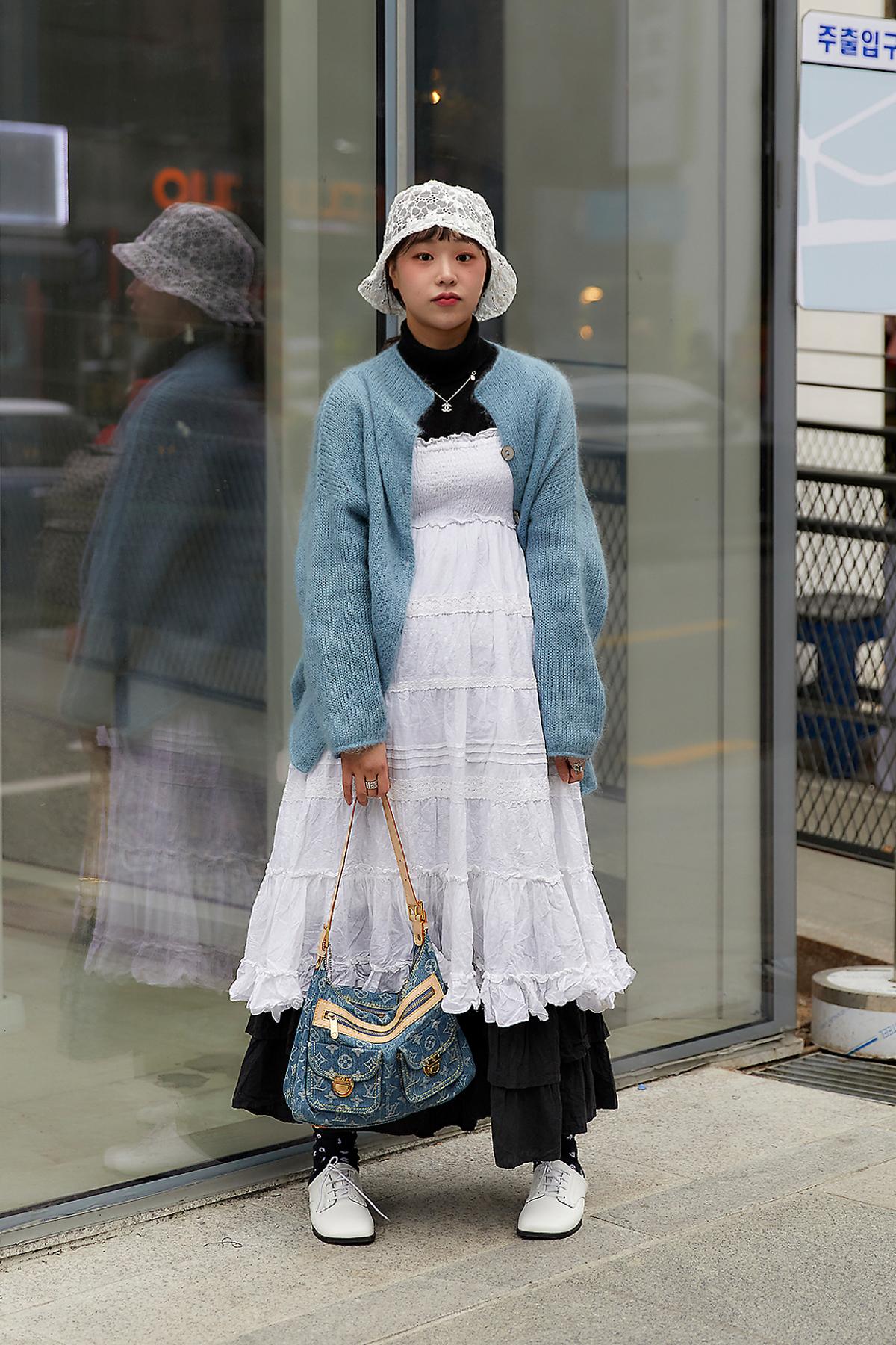 February 2020 Women's Streetwear Style in Seoul