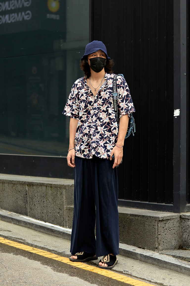 Street Fashion Men's Style in Seoul August 2020